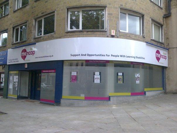 shop outside centre good